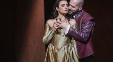 "Remigio all'Opera ""guarda allo specchio"" Anna Bolena"
