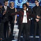 Grammy Awards, a New York trionfa Bruno Mars