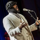 Gregory Porter chiude Umbria Jazz omaggiando Nat King Cole
