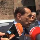Berlusconi: «Ho visto tutti i suoi film» Video